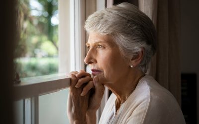 What are the symptoms of Alzheimer's?